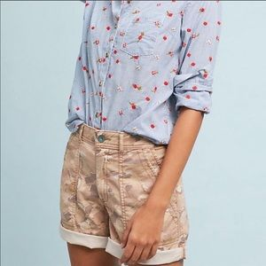 Anthropologie the wanderer natural camo shorts 25